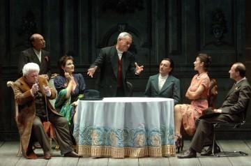 La famiglia dell'antiquario al Teatro Dim di Castelnuovo