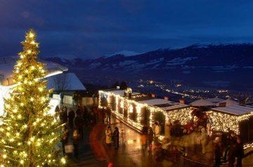Il Mercatino di Natale con vista sulla Capitale delle Alpi