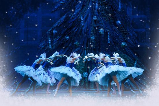 Lo-Schiaccianoci-02-balletto-di-san-pietroburgo
