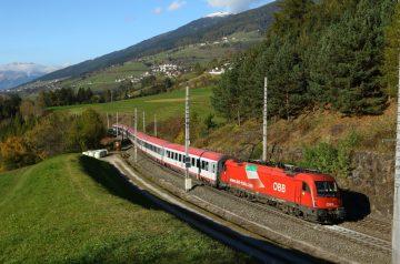 Pronti al binario i treni DB-ÖBB Euro per i fine settimana d'autunno!